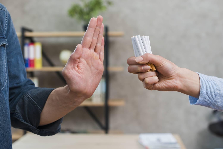 7-makanan-untuk-mengatasi-kecanduan-rokok