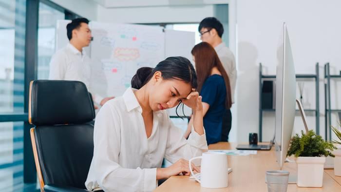 tanda-dan-gejala-burnout-syndrome
