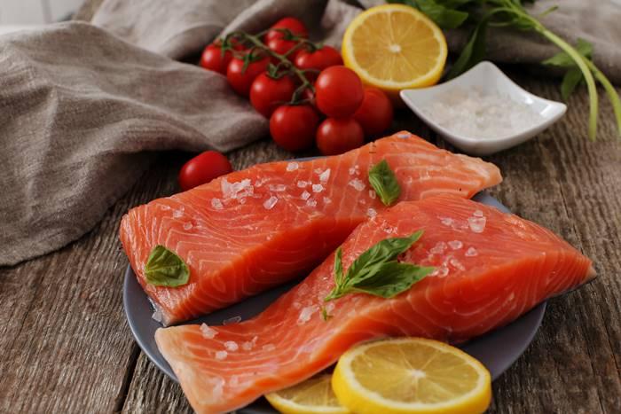15-makanan-untuk-meningkatkan-sistem-kekebalan-tubuh-review-reishi-salmon